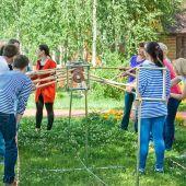 проведение тимбилдинга  Веревочный курс на природе
