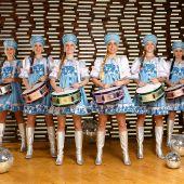 Шоу оркестр барабанщиц