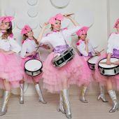 оркестр  кукол барабанщиц